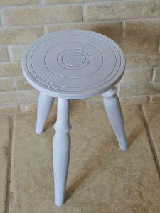 primed stool jpg